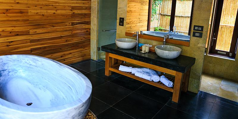 badkamer met graniet