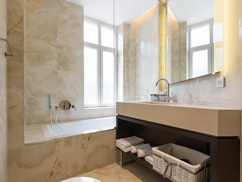 Badkamers natuursteen - Stassar Natuursteen Helmond